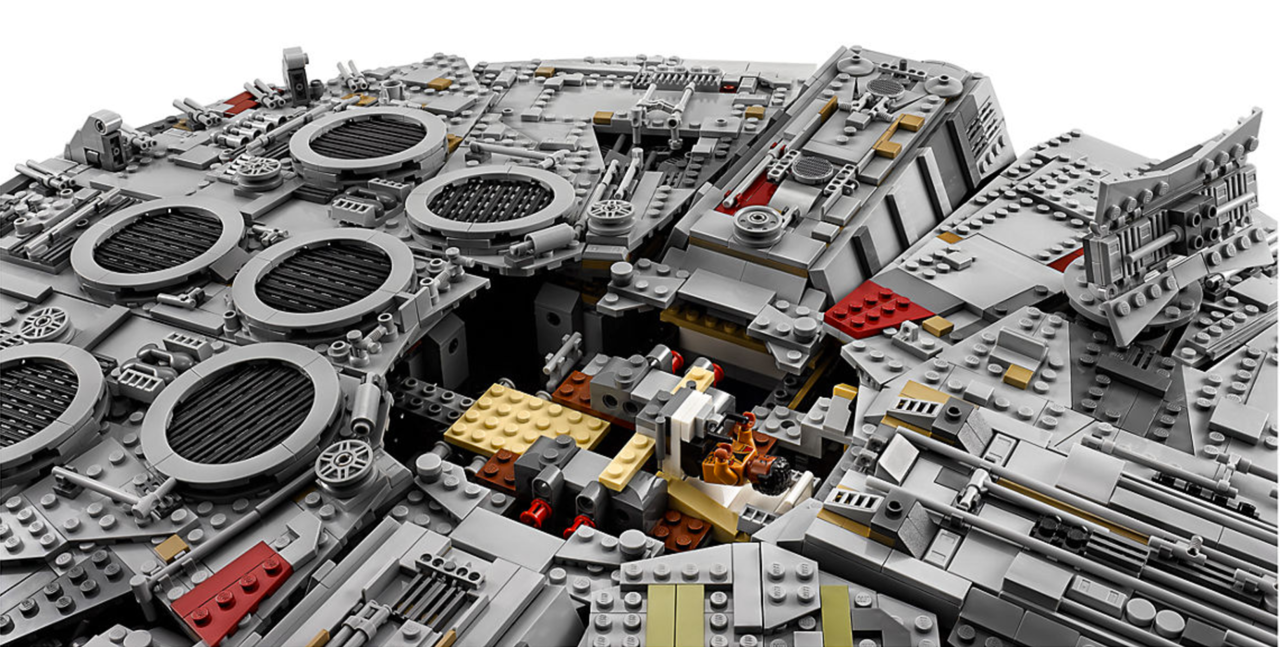 Millennium-Falcon-011
