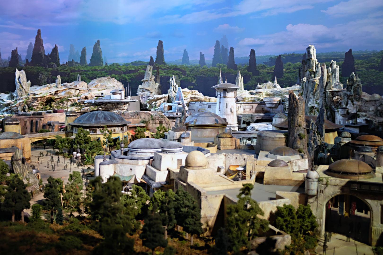 Star Wars Galaxy's Edge Model